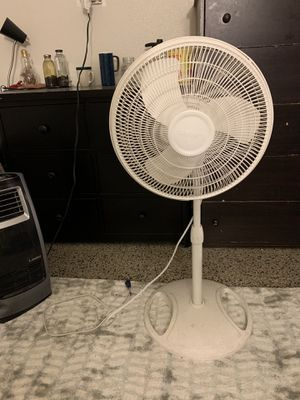 Lasko Tower Fan for Sale in Los Angeles, CA