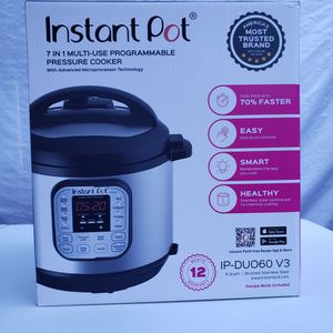 Instant Pot 7 IN 1 MULTI-USE PROGRAMMABLE PRESSURE COOKER for Sale in Santee, CA