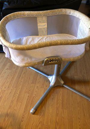 Halo bassinet for Sale in Stockton, CA