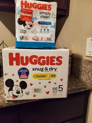 Huggies Snug And Dry Bundle Size 5 for Sale in Compton, CA
