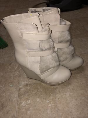 Juicy couture never worn boots for Sale in Frederick, MD