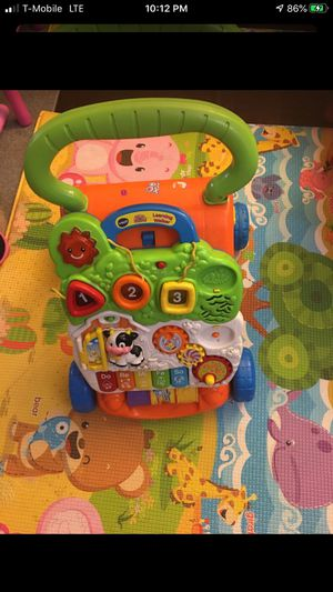 VTech Sit-To-Stand Learning Walker. for Sale in Garden Grove, CA