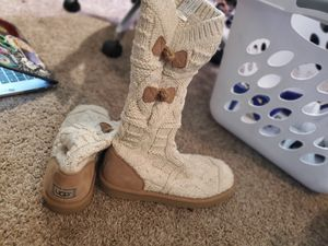 UGG Boots Kalia Sweater size 6 for Sale in TWN N CNTRY, FL