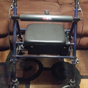WALKER WITH SEAT for Sale in Modesto, CA
