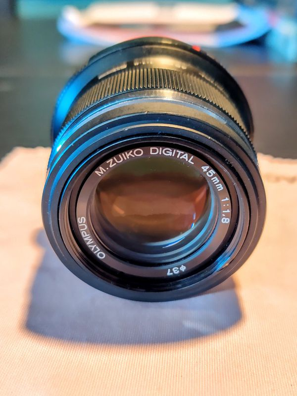 Olympus M.ZUIKO Digital ED 45mm F1.8 (Black) Lens (90mm FF equiv)