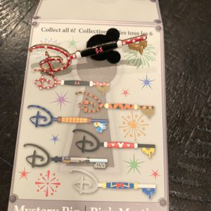 Disney Mystery Key Pin Minnie Mouse for Sale in Simi Valley, CA