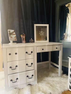 Beautiful vanity//desk ❌NO DELIVERY ❌ for Sale in Huntington Park, CA