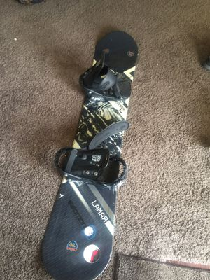 Lamar snowboard 148 for Sale in Riverside, CA