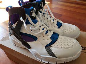 Nike men's shoe Air Huarache size 11 for Sale in Gresham, OR