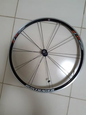 Bontrager SSR serie 6000 Front Wheel 700c , Excellent Condition for Sale in Davie, FL