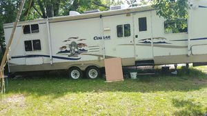 2004 Keystone Cougar 301bhs *NEVER used* for Sale in East Hartford, CT