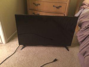 32 inch INSIGNIA TV for Sale in Murrieta, CA