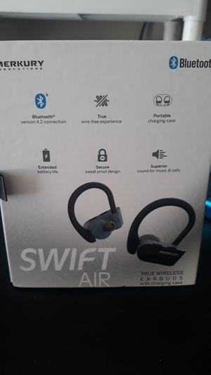 True wireless earbuds with charging case for Sale in Noblesville, IN