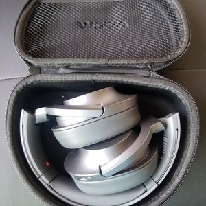 Sony h900n h.ear on 2 Headphones for Sale in Las Vegas, NV