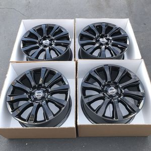 """21"""" oem Range Rover factory wheels 21 inch gloss black rims Rover for Sale in Tustin, CA"""