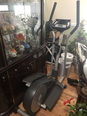Elliptical exercise machine. for Sale in Queens, NY