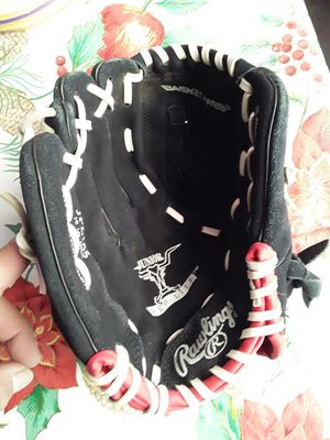 Lefty kids baseball glove for Sale in Inglewood, CA