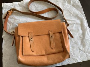Madewell Light Brown The Essex Leather Messenger Bag/Purse for Sale in Hercules, CA