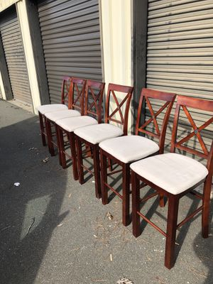 Table and bar height chairs... for Sale in Durham, NC
