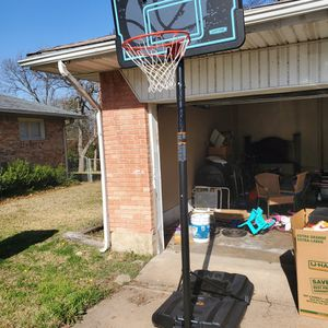 2 Mo Old Basketball Hoop for Sale in Dallas, TX