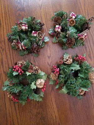 4 mini wreaths for Sale in Umatilla, FL