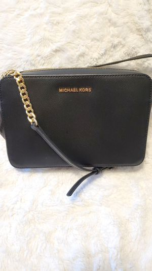 Michael Kors Leather crossbody for Sale in Portland, OR