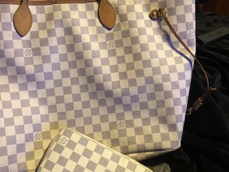 Authentic LOUIS VUITTON NEVERFULL AND WALLET for Sale in Chelmsford,  MA