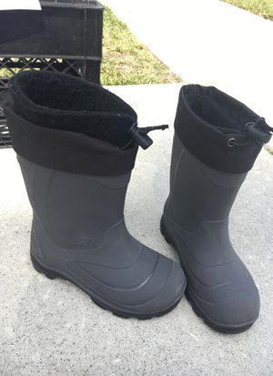 Kamik size 13 kids snow boots for Sale in Brandon, FL