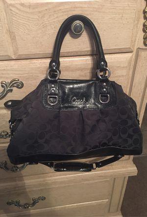 Coach purse. for Sale in Bakersfield, CA