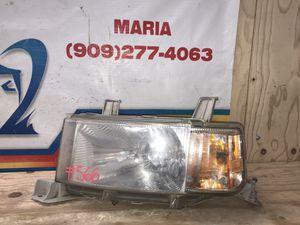 2004-2006 Toyota Scion XB headlight LH for Sale in Jurupa Valley, CA