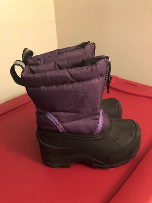 Toddler girls 6 snow boots for Sale in Ellington, CT