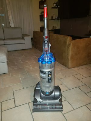 Dyson vaccuum cleaner for Sale in Tampa, FL