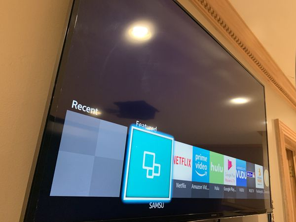 "SAMSUNG UHD 4K QLED 50"" TV FOR SALE"