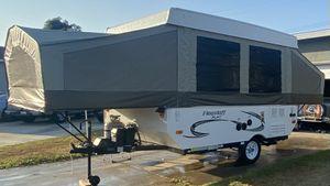 2015 Flagstaff mac travel trailer for Sale in Garden Grove, CA