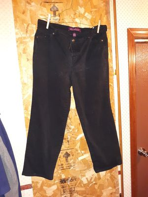 Womens jeans for Sale in Davenport, IA