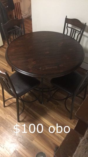 Kitchen table and chairs for Sale in Greensburg, PA