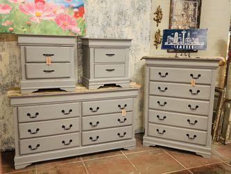 Grey bedroom dresser and nightstand set for Sale in Sumner,  WA