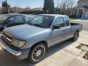 Clean 98 Toyota Tacoma for Sale in Modesto, CA