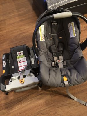 Chicco KeyFit 30 Infant Car Seat with Base for Sale in Orlando, FL