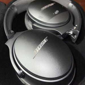 Bose Quietcomfort 35 ii Headphones for Sale in Chesapeake, VA