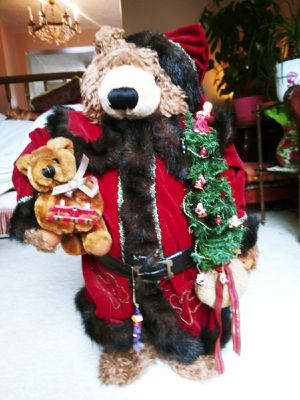 """Christmas Teddy Bear 25"""" for Sale in Montgomery Village, MD"""