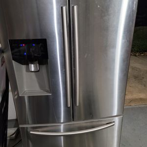 Samsung Refrigerator for Sale in Columbia, SC