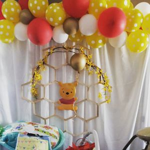 Winne the Pooh babyshower for Sale in Moreno Valley, CA
