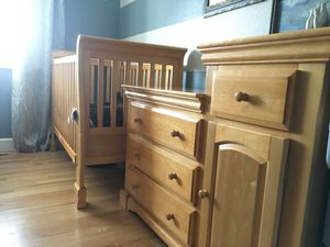 Crib with changing table for Sale in Federal Way, WA