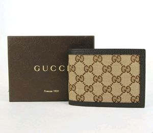 Gucci wallet for Sale in Kent, WA