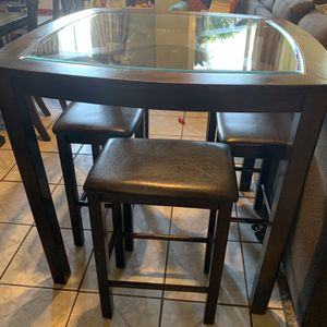 Glass Top Dinning Table Set for Sale in Oceanside, CA