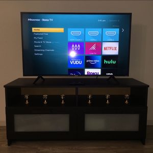 """Smart TV 43"""" and Coffee Table for Sale in Dixon, CA"""