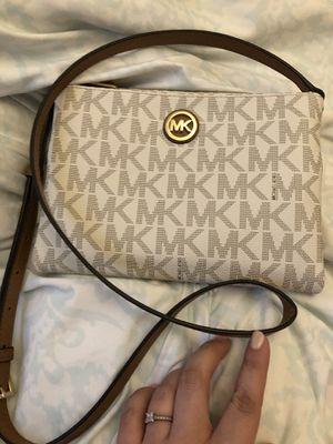 Michael Kors Crossbody Bag for Sale in Lutz, FL