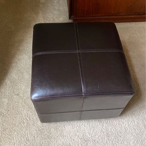 2 0ttoman Cubes for Sale in Tualatin, OR