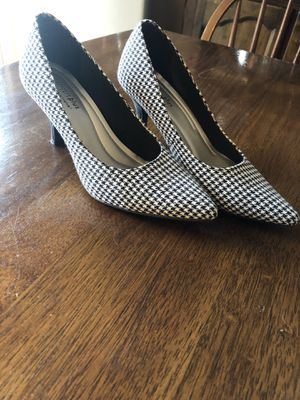 Comfort Plus gingham check black white shoes Size 7.5 for Sale in Rochester, MN
